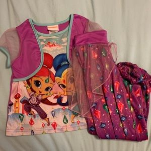 SALE! 5 for $20! Shimmer and shine pajama set sz6